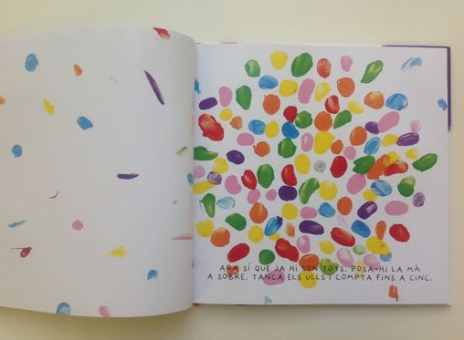 en cada pgina te proponen nuevos juegos para ir mezclando colores de manera que aprender jugando